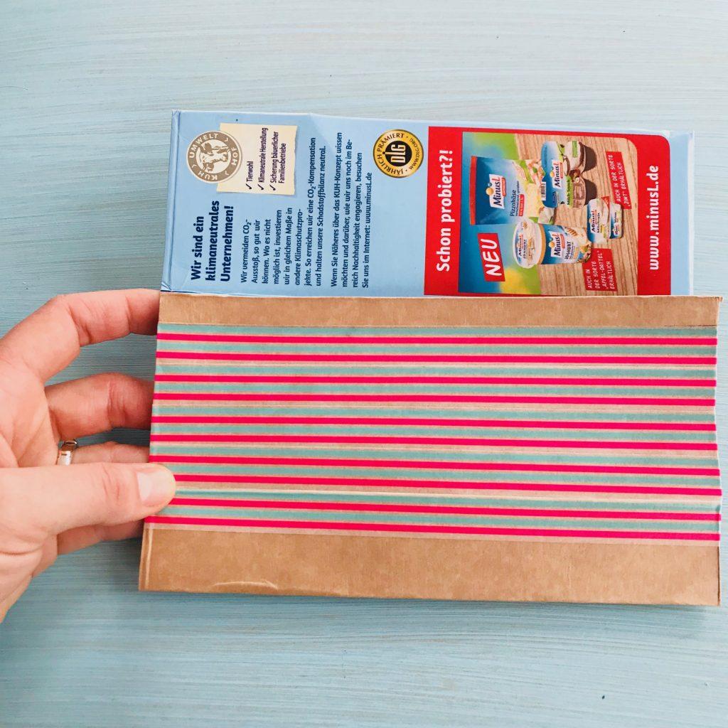 Handtasche Tetrapak mit Washi Tape bekleben