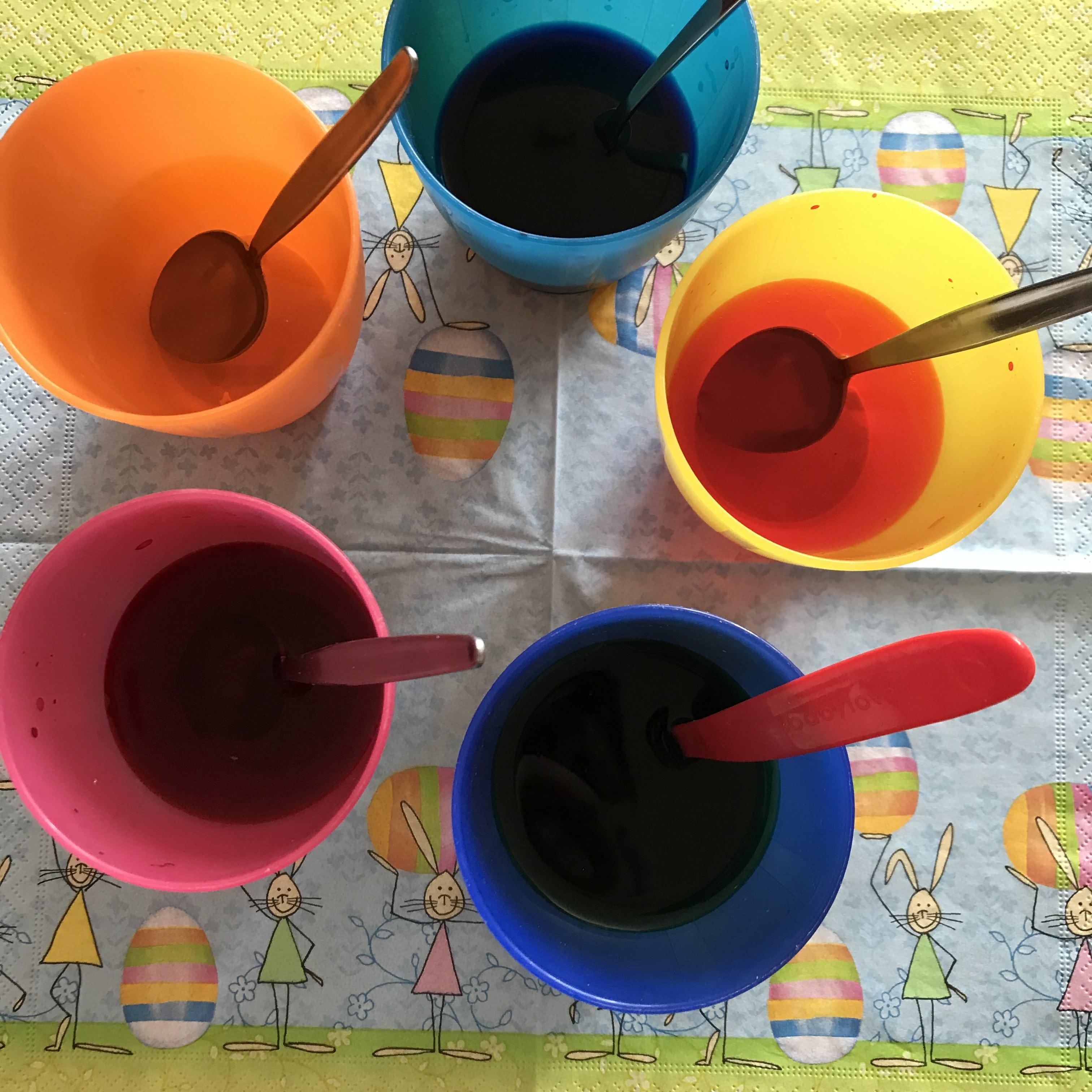 DIY Ostereier, Kaltfarbe zum Ostereier färben