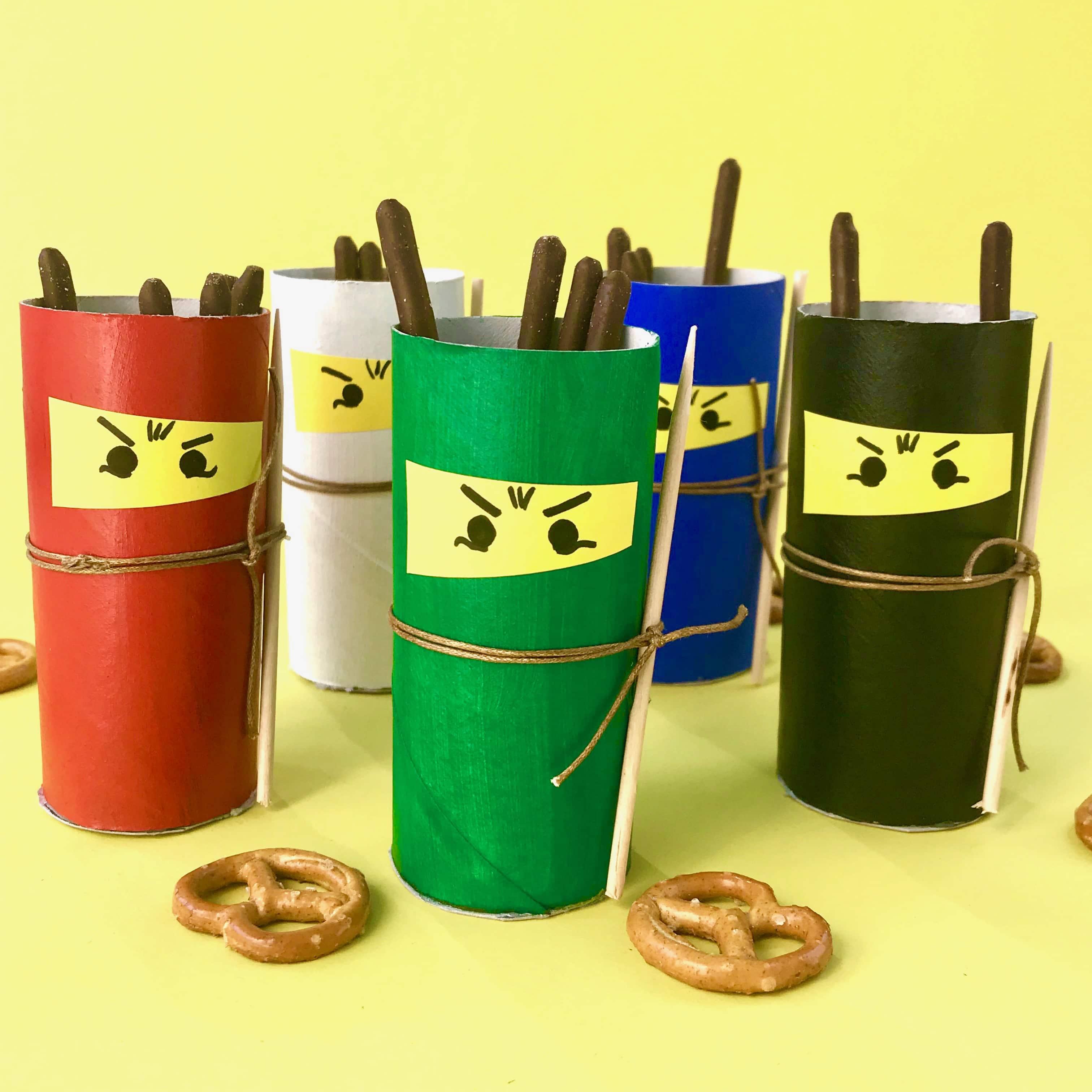 nachhaltige-upcycling-tischdeko-fuer-ninja-kindergeburtstag-aus-klorollen-basteln