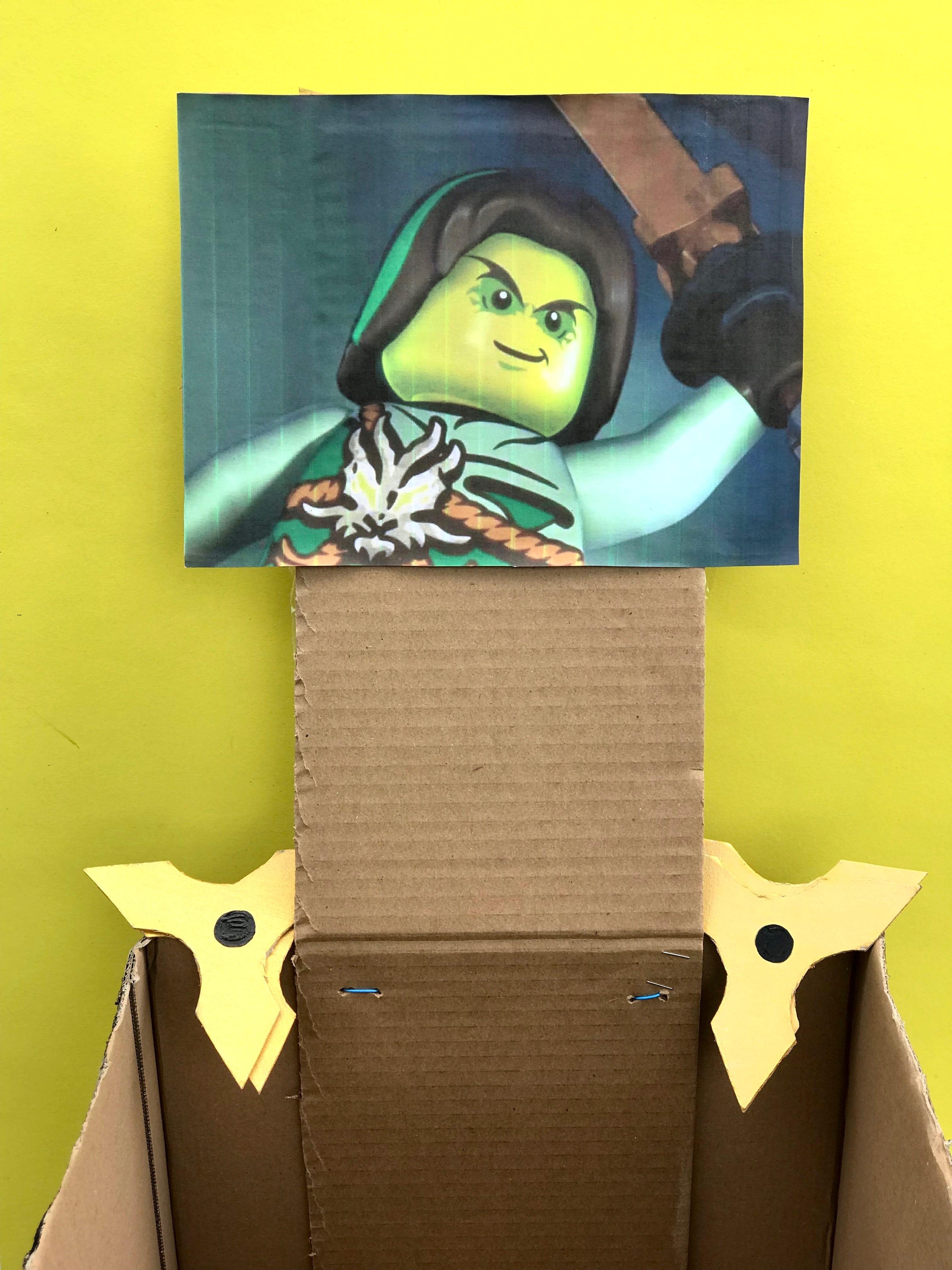ninjago-wurfstern-spiel-pappkarton-selbermachen-kindergeburtstag-nachhaltig-feiern
