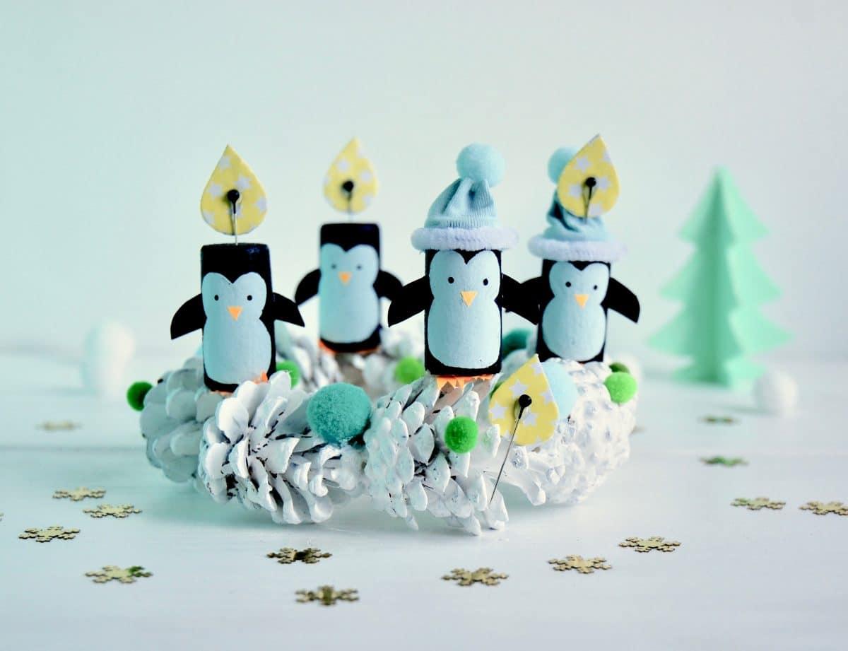 Adventskranz Idee, Weihnachtskranz fuer Kleinkinder aus Korken, Kiefernzapfen, Kinder, Upycling