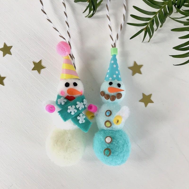 Weihnachtsdeko mit Kindern basteln, DIY Weihnachsschmuck, Schneemann, Pompoms, Weihnachten basteln Kleinkinder
