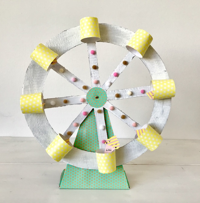 Riesenrad aus Pappe, Upcycling fuer Kinder