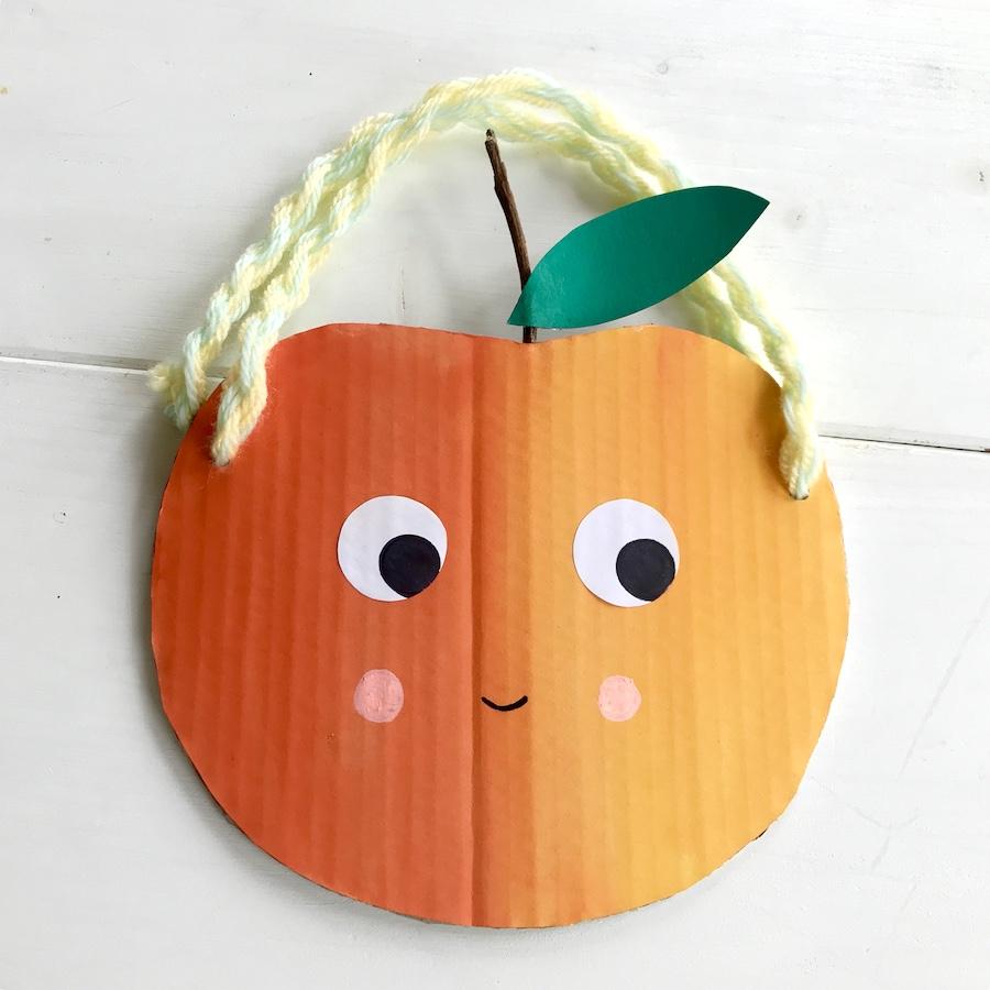 Basteln am Kidergeburtstag, Upcycling Mitgebseltuete basteln, Apfel