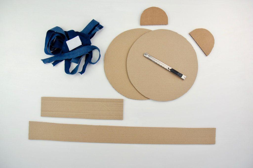 tasche-basteln-mit-kindern-karton-zuschneiden-diy-schritt 1