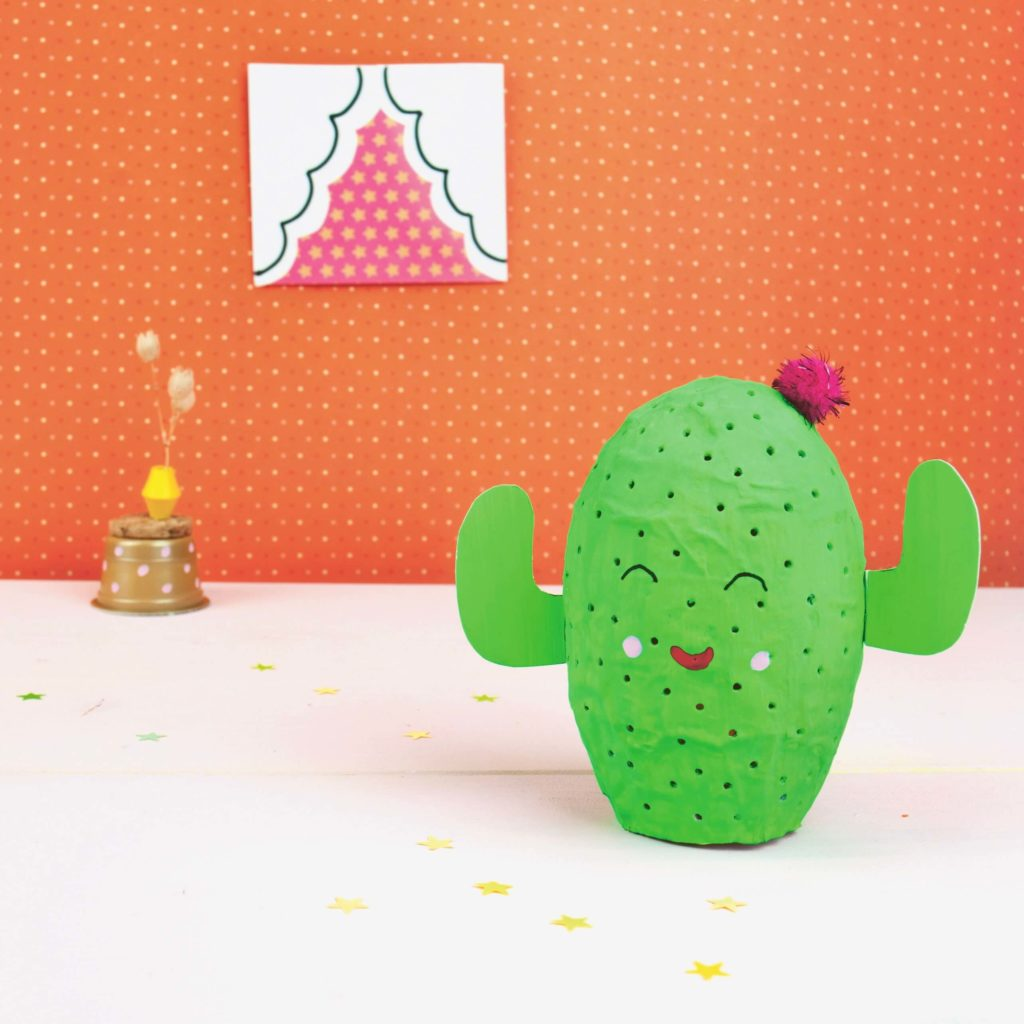 sommer-diy-kaktus-lampe-als-deko-basteln-upcycling-